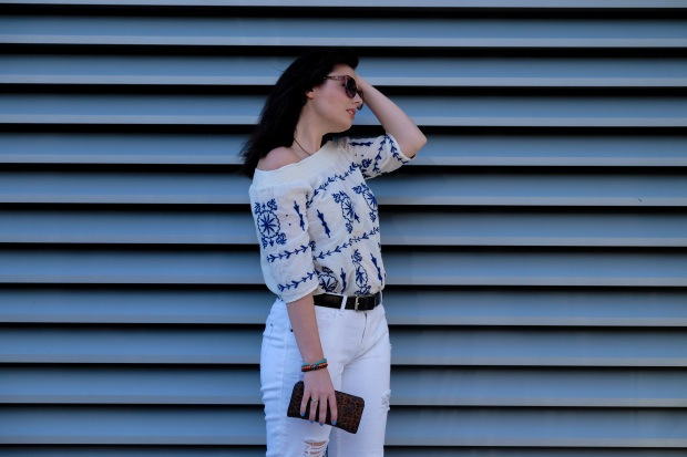 Splash white ripped jeans, white off the shoulder top, summer style 2017, blogger