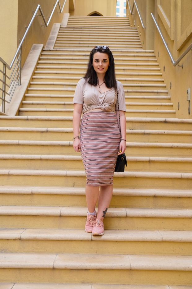 Pink bodycon midi skirt, pink asics, boohoo top, fashion blogger, dubai