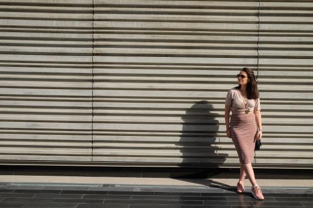 Pink midi bodycon skirt, boohoo tshirt, pink asics, fashion blogger dubai