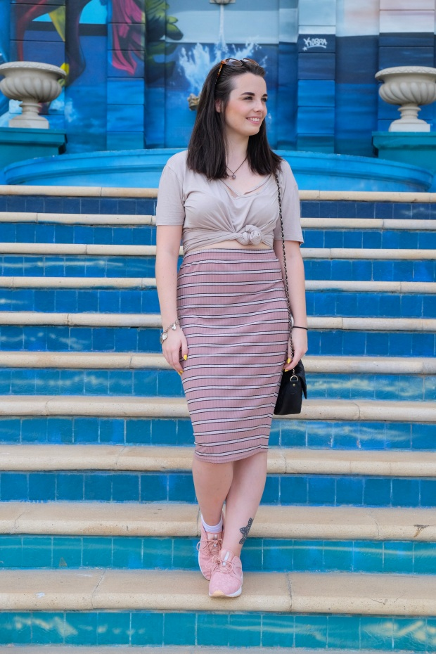 Pink midi bodycon skirt, pink asics, boohoo tshirt, JBR Beach Dubai, fashion blogger